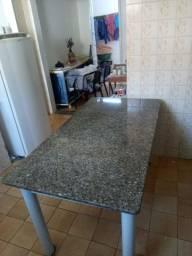 Mesa de jantar em granito 150x80 por apenas 400 reais