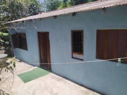Alugo casa 3 quartos agronomia 700 reais