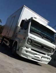 Título do anúncio: Vendo caminhão baú barato