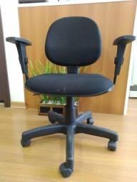 Título do anúncio: Cadeira giratória com regulagem