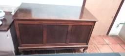 Baú de madeira antigo