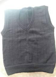 Pullover novo de tricô preto