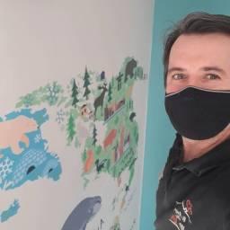 Título do anúncio: Instalador de Papel de parede e adesivos  (mão de obra)