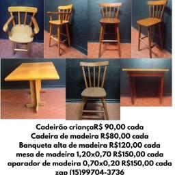 Título do anúncio: Banquetas, cadeirão, aparador e mesas e cadeiras de madeira