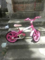 Tô vendendo está bicicleta pra criança de 6 anos de idade
