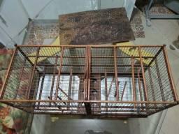 Gaiola criadeira de canário em madeira