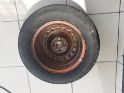 Vendo pneu 14 com aro