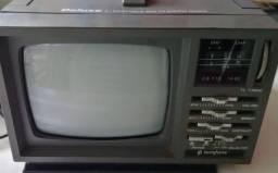 Tv retrô anos 90  preto e branco