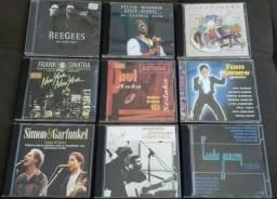 9 cds: Bee Gees, Frank Sinatra, Simon e Garfunkel