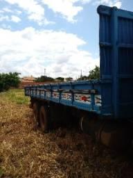 1113 Truck Frete Carroceria 7metros