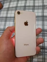 IPhone 8 dourado 64 gh