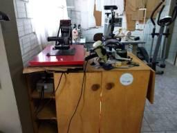 Máquinas e móveis para confecção costura sublimação