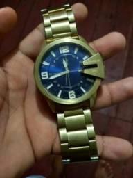 Vendo um relógio da marca dizel