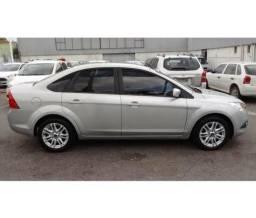 Focus 2.0 sedan automatico veiculo de concessionária - 2013