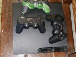 Playstation 3 slim c/3controls c/7jogs ac/troks