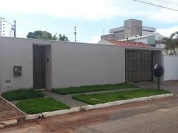 Vendo uma casa no Jardim Rondônia a 350 m do shopping