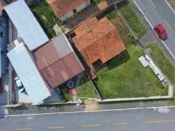 Terreno 421,00m2 com 2 casas em Araucária