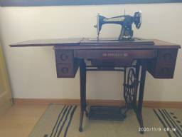 Máquina de costura Crosley