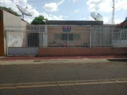 Casa à venda, ideal para comércio. Campo Maior-PI