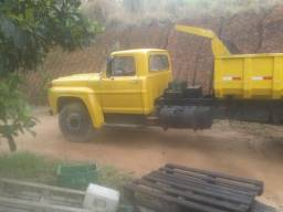 Caminhão fordão 750 motor 1518 turbinado e funilaria ok detalhe todo freio a ar