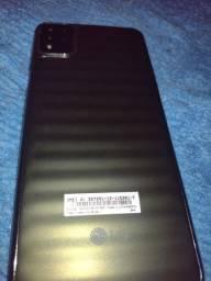 Título do anúncio: Vende esse celular a semi novo 3meses de uso