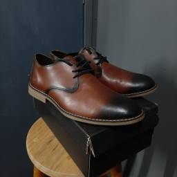 Sapato Casual Masculino em Couro. Tam.: 39