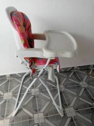 Cadeira de alimentação seminova