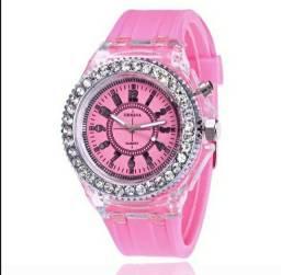 Título do anúncio: Relógio ROSA com LED, luz colorida que pisca.