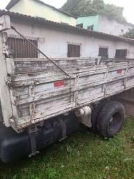 Carroceria de madeira caminhão 3x4