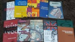 Todos esses livros diversos por 10 reais