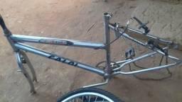 Troco quadro de bicicleta por uma bicicleta infantil aro 20