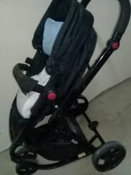 Vendo um carrinho de bebê sou de uberaba