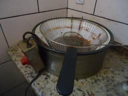 Fritadeira elétrica pouco usada