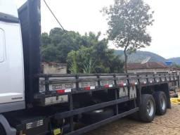 Carroceria de madeira para Caminhão Truck Grade Baixa, 8,5 metros Marca Mury ano 2015