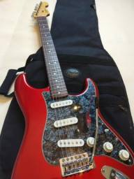 Squier by Fender Stratocaster feita na India