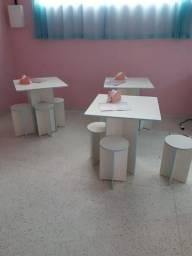 Mesas para lanchonete/restaurante em MDF com 4 banquetas em MDF