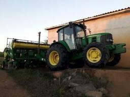 Trator John Deere 6110 J 4x4 ano 2012