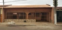 Casa Coophamil com 3/4 sendo uma suite excelente localização