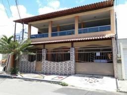Vendo casa c/ 2 pav, única escritura - aceito proposta, negócio direto c/ proprietário