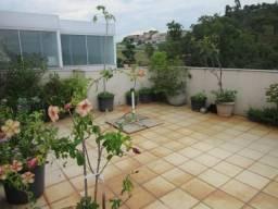 RM Imóveis vende excelente cobertura de 04 quartos no Caiçara, rua tranquila, próximo ao c