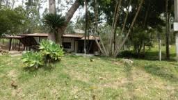 Alugo casa sitio com terreno