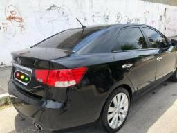 Vendo Kia Cerato SX3 completo - 2012