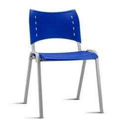 Cadeira ISO Plástica