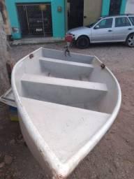 Vendo Barco com motor zerado, só testado e aprovado  zap * fone *