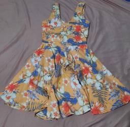Lindo vestido rodado, usado apenas 1 vez