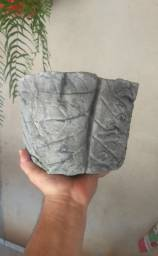 Vaso de cimento texturizado
