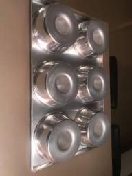 Título do anúncio: Assadeira quadrada de alumínio com 06 formas de pudim
