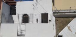 Título do anúncio: Aluguel casa Itapuã 2/4 com quintal