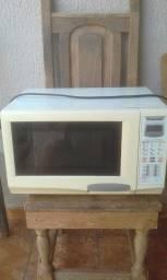 Microondas Panasonic Piccolo 25L