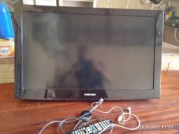 Vende-se televisão